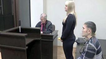 Joven apuñalado por su pareja le pide matrimonio durante el juicio