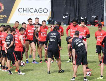 """[FOTOS] La práctica de """"La Roja"""" en Chicago con miras al duelo frente a Colombia"""