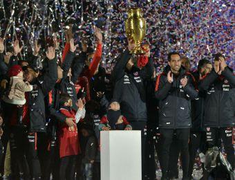 [VIDEO] Así levantó La Roja el título de la Copa América Centenario en el Nacional
