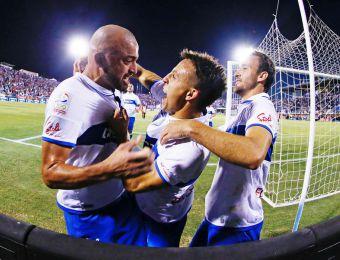 [FOTOS] Así fue el estreno goleador de Santiago Silva en la victoria de la UC sobre Antofagasta