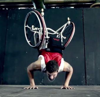"""[VIDEO] """"Las personas son increíbles"""": 3 minutos de las mejores acrobacias en YouTube en 2014"""