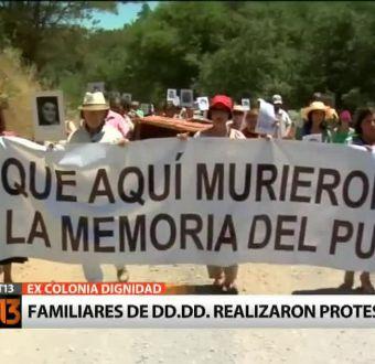 Familiares de DD.DD. se manifestaron a las afueras de la ex Colonia Dignidad