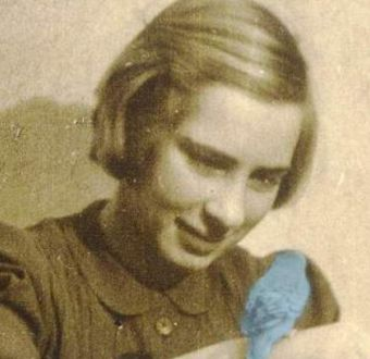Hermanastra de Ana Frank publica libro que relata su experiencia en Auschwitz