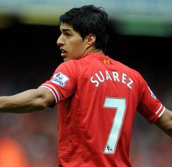 Alexis podría tener a Luis Suárez como compañero en Arsenal