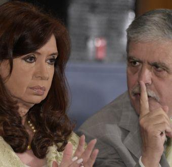 Presidenta argentina nombra jefe de Gabinete a fiel líder peronista
