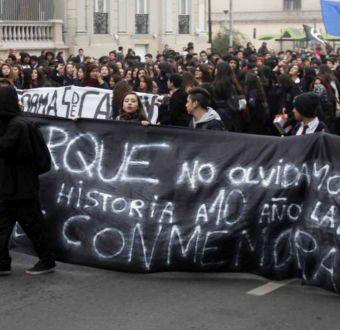 Se inicia marcha estudiantil en medio de disturbios en la Alameda