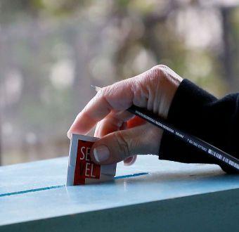 Políticos piden rediscutir voto obligatorio