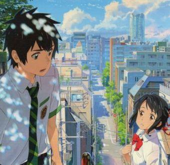 Mitsuha pronto se empieza a imaginar como un joven y a Taki le pasa algo parecido, pero al revés.
