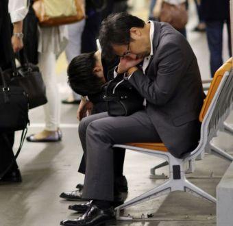 Teletrabajo y Súper Viernes: Japón reconsidera la cultura de largas jornadas laborales
