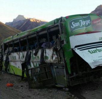Gerente de TurBus asegura que accidente en Mendoza pudo deberse a una falla humana