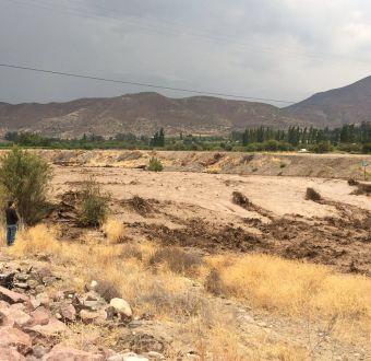 Bomberos encuentra primeros cuerpos arrastrados por aluvión en Los Andes