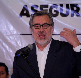 Alejandro Guillier condena hechos violentos en La Araucanía