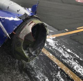 [VIDEO] Avión aterriza de emergencia en Filadelfia y pasajera es parcialmente succionada