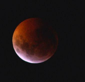 [VIDEO] Luna de sangre sorprendió al mundo