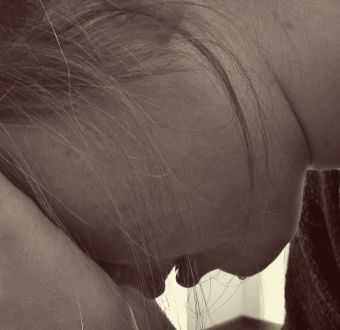 Niña se suicidó luego que su mamá le quitara el celular