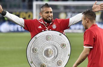 [FOTOS] Así celebra Arturo Vidal el pentacampeonato del Bayern Munich en Bundesliga