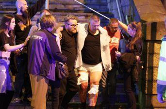 [FOTOS] Evacuación en medio del pánico en el Manchester Arena