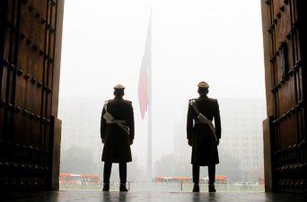 [FOTOS] Las postales que deja la jornada de niebla y frío en Santiago