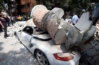 [FOTOS] Escombros, atrapados y derrumbes: los daños del terremoto en México