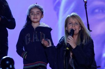 Cecilia Bolocco en plena gira de la Teletón