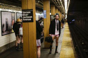 [FOTOS] Así se vivió la nueva edición del Día sin pantalones en el Metro de Nueva York