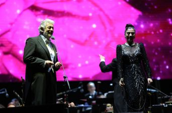 Plácido Domingo y Mon Laferte juntos en Chile