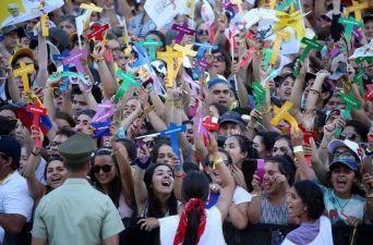 [FOTOS] Miles de jóvenes chilenos se encuentran con el Papa en el Templo Votivo de Maipú