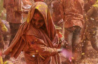 [FOTOS] Espectaculares imágenes deja el primer día del Festival Holi en India