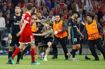 [FOTOS] Hinchas invaden la cancha tras derrota del Bayern Munich ante Real Madrid