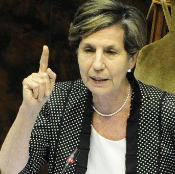 Senadora Allende afirma que gobierno tendrá que mejorar capacidad para anticipar conflictos