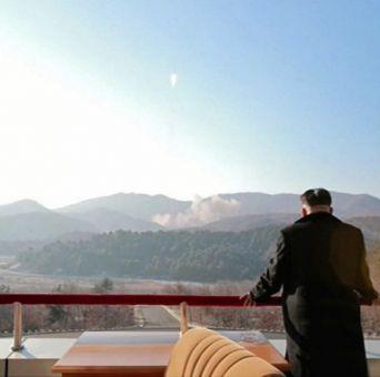 Unión Europea condena lanzamiento de cohete de Corea del Norte