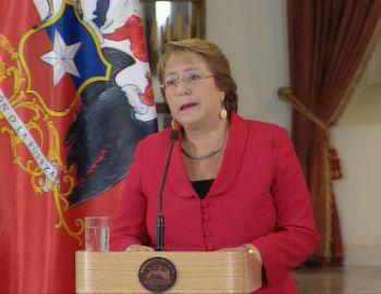 Cadem: sólo 23% evaluó bien las palabras de Bachelet tras formalización de Compagnon