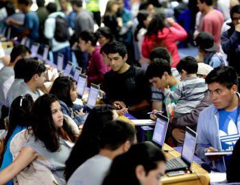 Bachelet anuncia que en 2017 se duplicarán beneficiados por gratuidad en educación