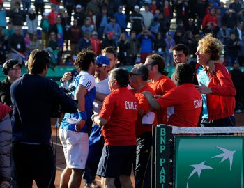 """Equipo chileno de Copa Davis se siente olvidado y tilda de """"deningrante"""" lo ocurrido en Iquique"""