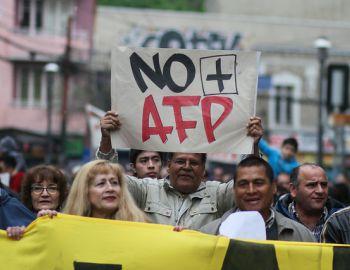 Cae ahorro voluntario en las AFP por desaceleración y debate previsional