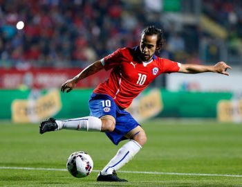 Jorge Valdivia es la gran novedad de La Roja para enfrentar a Ecuador y Perú