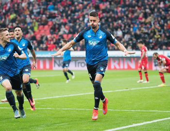 Hoffenheim de Vargas sorprende y golea al Leverkusen de Aránguiz