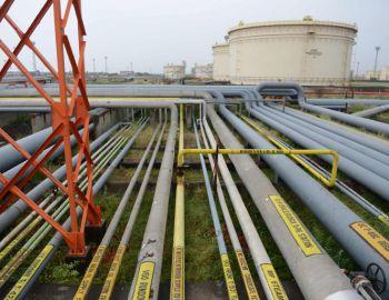 Caída de los precios del petróleo se acerca a su fin según Arabia Saudí