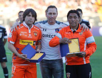 Sanhueza y Meléndez fueron homenajeados en su regreso al Monumental