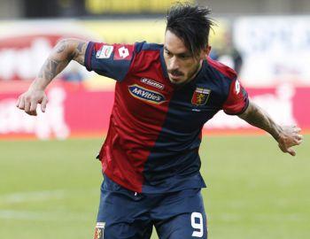 Mauricio Pinilla regresa a Genoa con derrota ante AS Roma