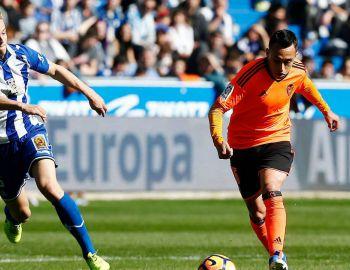 [VIDEO] Fabián Orellana es expulsado en derrota de Valencia ante Alavés
