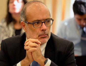 Comisión de Salud del Senado citará a ministro Valdés por prestaciones sin cobertura