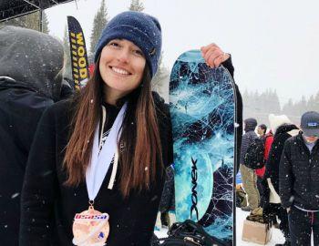 Javiera DiBenedetto, la rider chilena de snowboard que triunfa en Estados Unidos