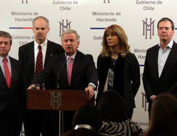 Larraín compromete envío de Reforma Tributaria: No pasa agosto
