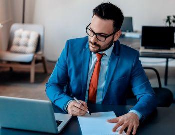 7 profesiones amenazadas por el avance tecnológico (y dónde habrá más oportunidades laborales)