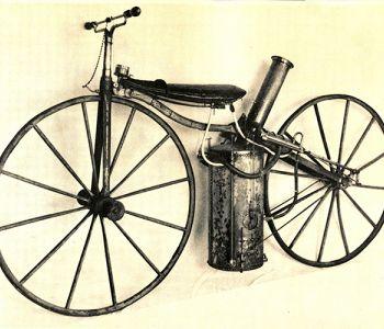 La historia y curiosidades sobre la primera motocicleta del mundo