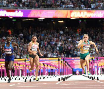 Pearson gana segundo título mundial de 100 metros vallas tras seis años