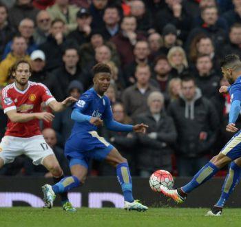 Leicester posterga su primer título de Premier tras empatar con Manchester United