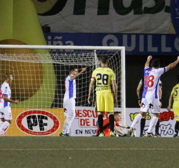 Antofagasta aprovecha su ventaja numérica para dar vuelta el partido ante San Luis