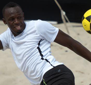 """Usain Bolt aún sueña con ser futbolista profesional: """"Sería difícil convencer a Mourinho"""""""